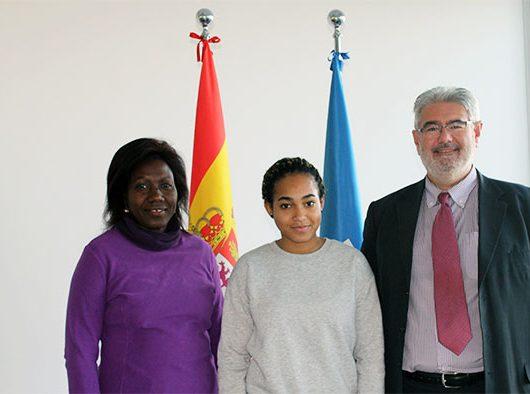 Priscillia Lois Mourou, Eugenie Eyeang y Roberto Ruiz hoy en UNEATLANTICO | Gabón