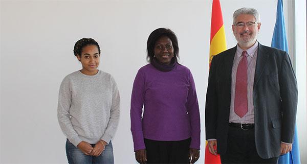 La représentante d'UNEATLÁNTICO au Gabon visite le campus de Santander