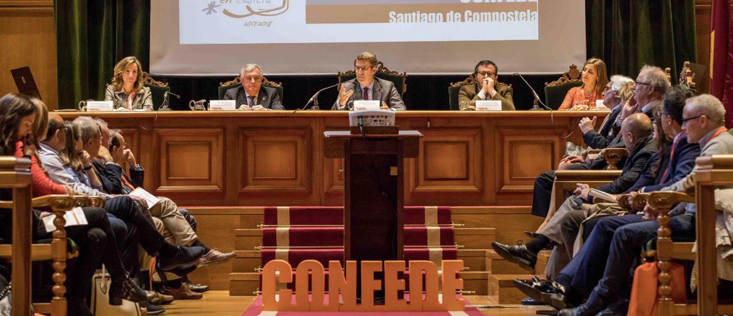 La vice-rectrice de gestion universitaire et de professorat participe à la Conférence Espagnole des Doyens en Économie