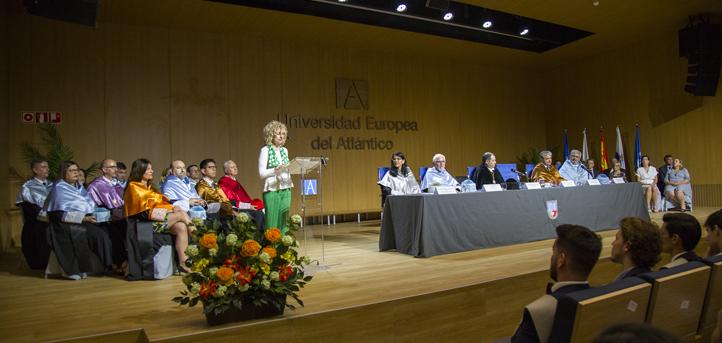 Eva Díaz Tezanos : « Aujourd'hui ce sont des citoyens plus libres qui rejoignent la société »