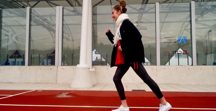 Noemí Cano, étudiante en licence en CAFYD, deuxième du Championnat d'Europe de Cross dans la catégorie des moins de 23 ans