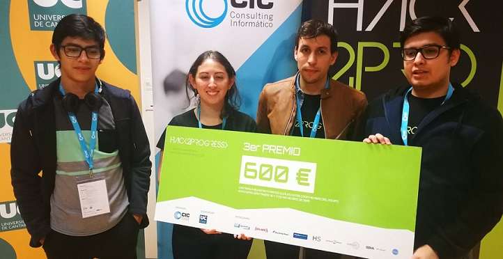 Quatre étudiants en licence en Ingénierie Informatique gagnent un prix au concours Hack2Progress