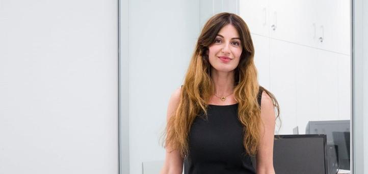 La Vice-rectrice d'UNEATLANTICO, Silvia Aparicio, présente la méthode d'enseignement en ligne de l'université